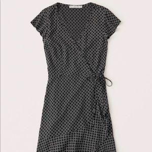 Abercrombie wrap dress new with tags